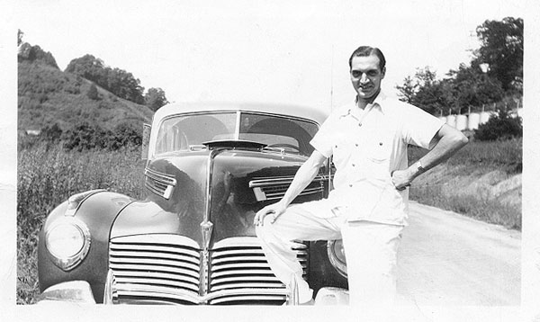 Freer 1939 with car
